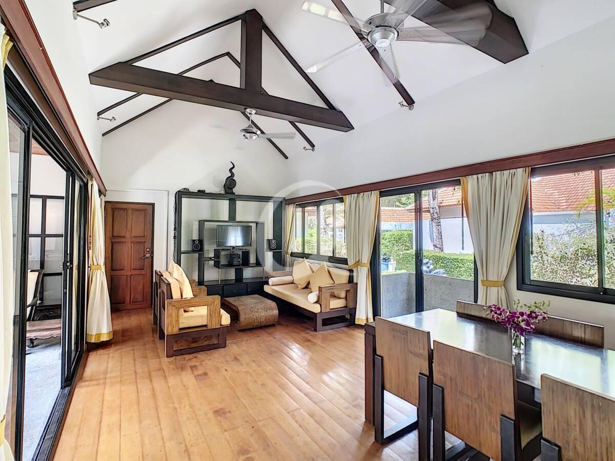 #AE0007 - Living room