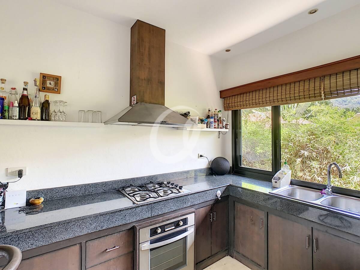 #AE0007 - Kitchen