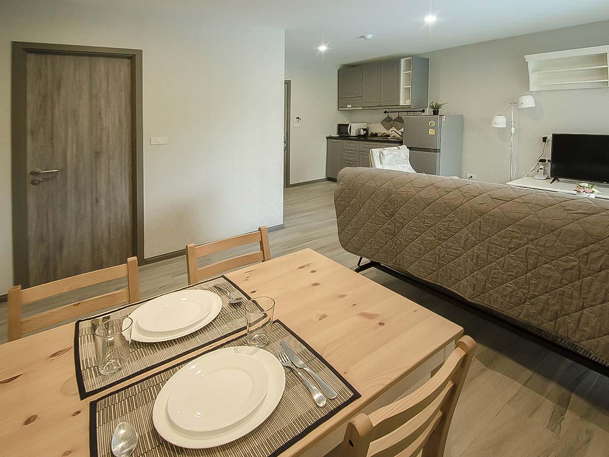 #AE0052 - 1 bedroom separate