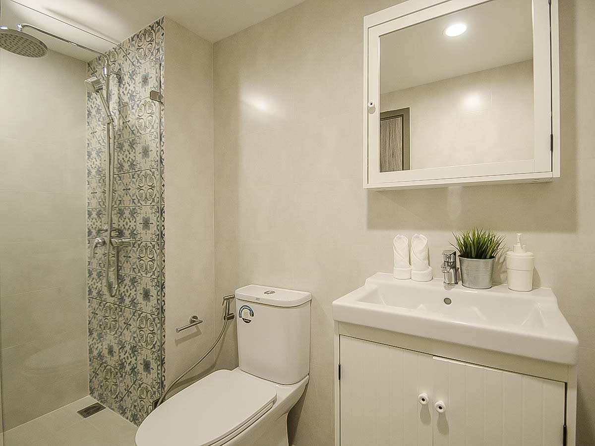 #AE0052 - 2 bedrooms